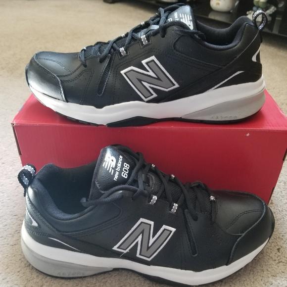 NWOT w box New Balance 608 mens shoes